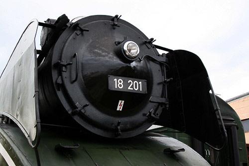 Rauchkammertür der Schnellzug-Lokomotive 18 201