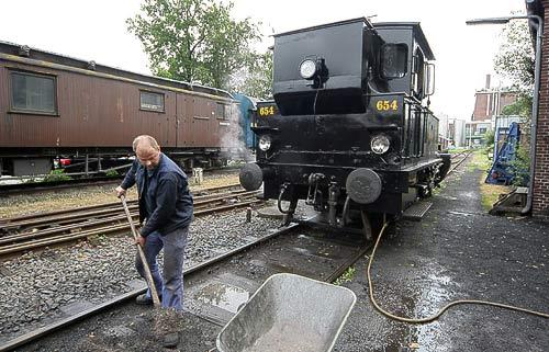 Entsorgung der Asche nach deem Entschlacken - Bahnhof Kappeln an der Schlei
