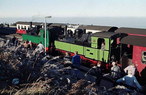 Dampfzug mitz Mallet-Loks in Doppeltraktion auf dem Brocken