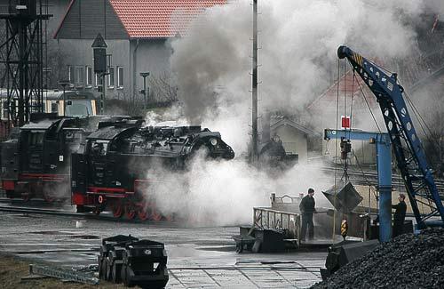 Neubau-Dampflokomotive der HSB am Kohlebansen