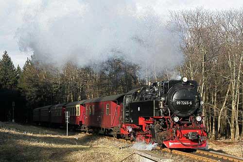 99 7245 erreicht Drei Annen Hohne mit dem Brockenzug
