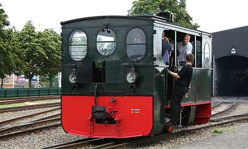 Die Kastenlokomotive 'Plettenberg' rangiert in Bruchhausen-Vilsen