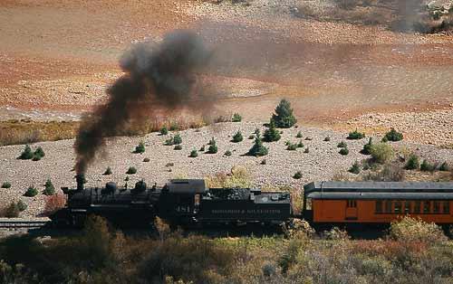 Die Durango & Silverton Rail Road vor Silverton in 3.100 m Höhe über dem Meer.