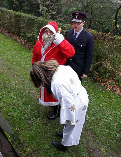 In Vilsen-Ort steigt der Nikolaus zu.