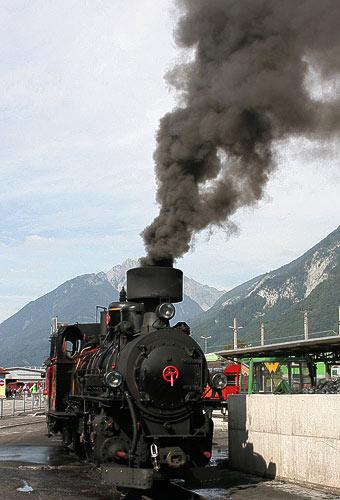 Dampflok No. 4 der Zillertalbahn am Kohlebansen in Jenbach
