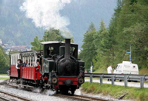 Der Dampfzug der Achenseebahn kurz vor Seespitz am Achensee