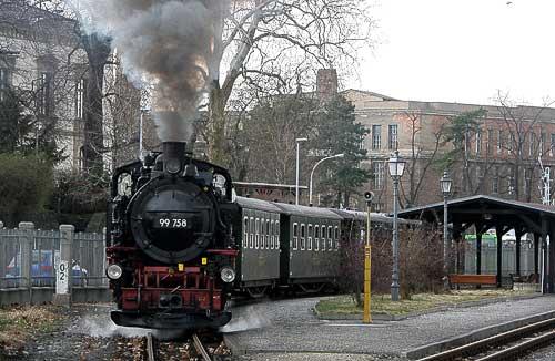 Am Bahnhof Zittau startet die Bimmelbahn ins Zittauer Gebirge