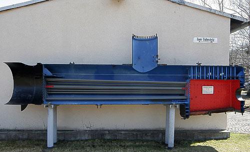Dampflok-Kessel einer Schmalspurlokomotive im Schnitt