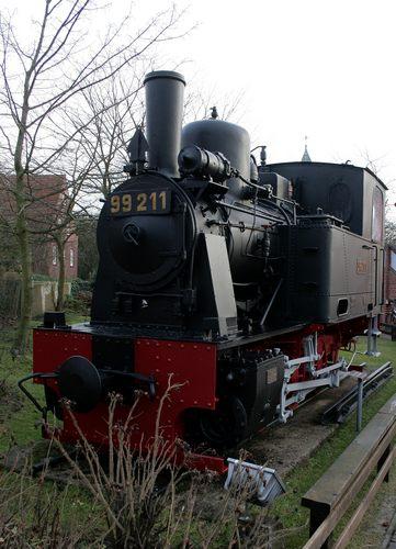 Äusserlich gut erhalten - die Dampflokomotive 99 211 der Inselbahn