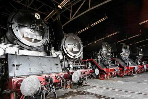 Dampflokomotiv-Ikonen im Sächsischen Eisenbahnmuseum