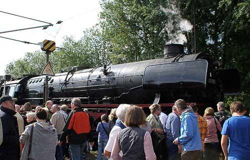 Die Schnellzuglok 01 1066 - ein begehrtes Foto-Objekt