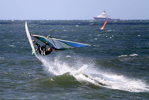 Surfer am Nordstrand von Norderney