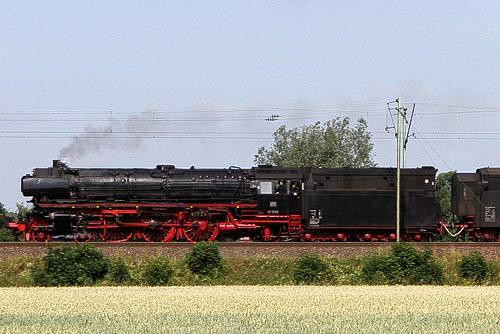 Schnellzugdampf mit der 01 1066 - Sonderzug vor Wunstorf bei Hannover