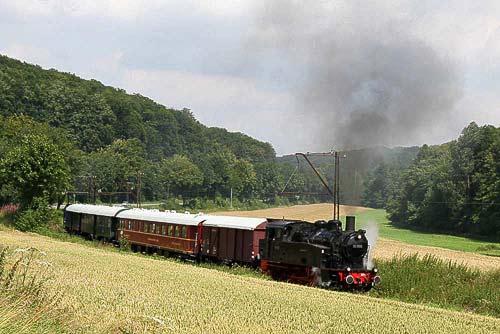 Landeseisenbahn Lippe - der Heckeneilzug in herrlicher Landschaft