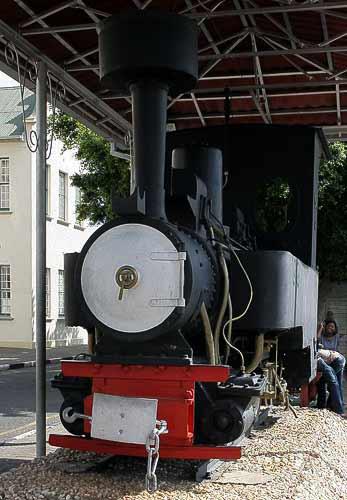 Halbe 600 mm Doppel-Dampflokomotive von Henschel