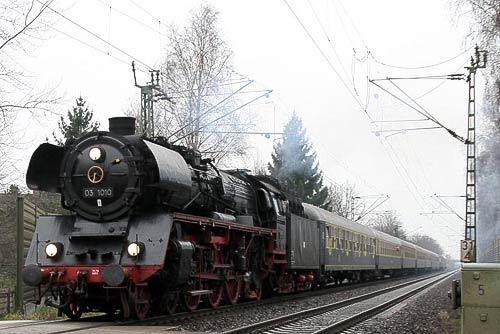 Schnellzuglok 03 1010
